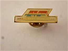 PINS  AMBULANCES FRANCAISES  / 33NAT - Medical