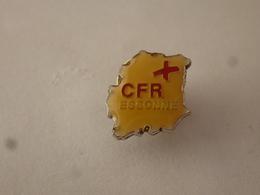 PINS CFR ESSONNE LA CROIX ROUGE  / 33NAT - Medical