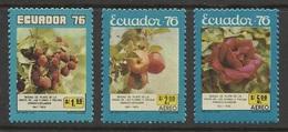 Equateur 1976 Yv. 960 ** + PA 615/616 ** Fraises Pommes Roses Fruit Flowers Apples Strawberries Fragole Manzanas - Ecuador
