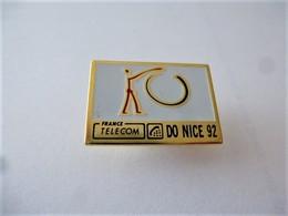 PINS FRANCE TELECOM DO NICE 92 ( Signé Vivien Isnard ) / 33NAT - France Telecom