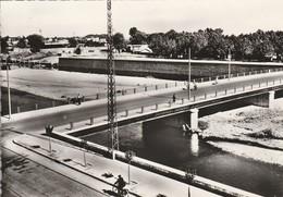 Gard :ALES : Le Pont Neuf ( Cpsm : Photo Vérit. ) - Alès