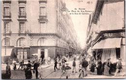 44 NANTES - La Place Du Bon Pasteur Et Rue Du Calvaire - Nantes