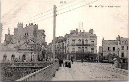 44 NANTES - Un Coin De La Place Pirmil - Nantes