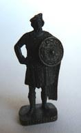FIGURINE KINDER  METAL SOLDAT ECOSSAIS 1743  1 RP  CAPORAL 80's Bruni - KRIEGER SCHOTTEN Kaporal (2) - Metal Figurines