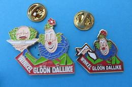 2 Pin's, Clowns, Clown, Winkel Glöön Dällike, Limité - Badges