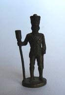 Rare FIGURINE KINDER  METAL PRUSSIENS 5 70's - SOLDATS NAPOLEONIENS ARTILLEUR (2) Artillerist Prussien - Metal Figurines