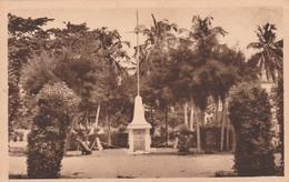 COTONOU    DAHOMEY         MONUMENT AUX MORTS - Benin