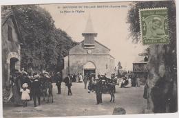 44 Nantes Souvenir Du Village Breton 1910  La Place De L'eglise - Nantes