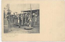 . AFRIQUE  GUINEE FRANCAISE. CONAKRY. PILAGES DU RIZ FEMMES AU SEINS NUS - French Guinea