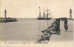 CPA 1925 : Le Grau-du-Roi (30) - Les 2 Phares Et L'Entrée Du Canal - Le Grau-du-Roi