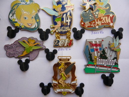 Rare 6  Big Pin S Disney FEE CLOCHETTE Different  Neuf A Voir - Disney