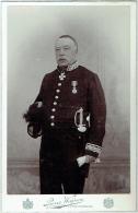 Photo Cabinet. Militaire Ou Politique, Epée Et Décorations. Foto Weijnen, 's Hertogenbosch. 1898 - Foto's