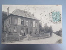 C.P.A. 27 LA TRINITE DE REVILLE (Eure) : Café De La Gare , Animé, Timbre En 1924 - Andere Gemeenten