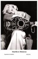 MARILYN MONROE - Film Star Pin Up PHOTO POSTCARD- Publisher Swiftsure 2000 (201/549) - Postcards