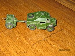 DINKY TOYS N°688 - Field Artillery Tractor  ( Sans Fenêtre Et Avec Chauffeur )- +/- 1960 - Jouets Anciens