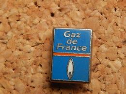 Pin's -  GAZ DE FRANCE - EDF GDF