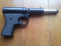 Pistolet Akah 5 - Unclassified