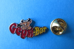 Pin's, Animaux,Vache,Veau, GEPSI-BAR, Kuh, Kalb, Rind - Animals