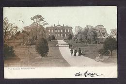 CPA ANGLETERRE - LEEDS - ROUNDHAY PARK - The Mansion - TB PLAN Château Avec ANIMATION Dans Le Park TB Verso 1903 - Leeds