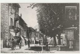 REPRO - Morestel (38) - Un Coin De La Place Des Halles (Carte Publicitaire) (Recto-Verso) - Morestel