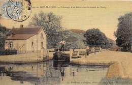 03-ENVIRONS DE MONTLUCON- ECLUSAGE D'UN BATEAU SUR LE CANAL DU BERRY - Montlucon