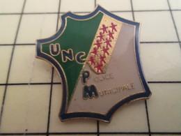 Pin811a Pin's Pins / Beau Et Rare / POLICE MUNICIPALE UNCPM CARTE DE FRANCE - Police