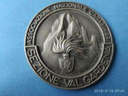 CARABINIERI E GRANATIERI  Associazione Nazionale  Carabinieri  Sezione Val Gardena - Italia