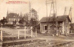 CPA - GOURNAY-en-BRAY (76) - Aspect Du Passage à Niveau Et De La Maison N° 42 Du Garde-barrière En 1930 - Gournay-en-Bray