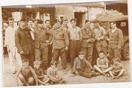 Ancienne Photo Sépia / Langres (52) / Commencement Incendie Cham..... (Militaires, Pompiers ?, Enfant)  / Fin Années 50 - Lieux