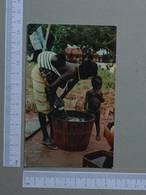 GUINÉ      - LAVADEIRA NATIVA -  FALACUNDA -   2 SCANS  - (Nº22010) - Guinea-Bissau