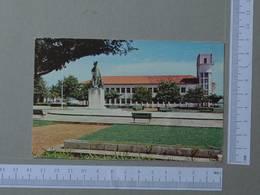 GUINÉ      - EDIFICIO DAS ALFANDEGAS -  BISSAU -   2 SCANS  - (Nº22011) - Guinea-Bissau
