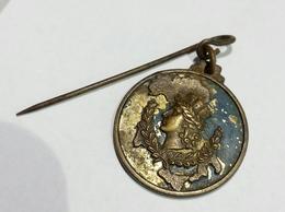 ITALIA - Medaglietta Commemorativa Per Il Referendum Monarchia / Repubblica (2 Giugno 1946) / 22mm - Italia