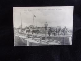 Chine . China . Aux Portes De Pékin Pendant L ' Expédition De Chine ( 1900 - 1901 ) .Voir 2 Scans - China