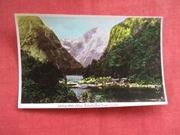 Milford Track New Zealand ---------Postcard Size  Blank Back Photo-------  Ref 2916 - New Zealand