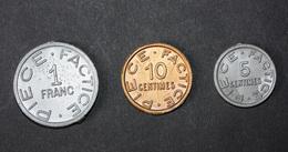Série De 3 Monnaies De 1Fr, 10c Et 5c Jeton Plastique école En Francs Début Années 60 - Coins School Token - Professionals / Firms