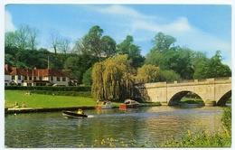 SHILLINGFORD BRIDGE AND HOTEL : RIVER THAMES - England