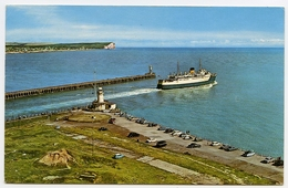 NEWHAVEN : THE HARBOUR ENTRANCE - England