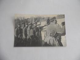 Cpa  Soldats Allemands Dans Les Tranchées à Armentières - Guerre 1914-18