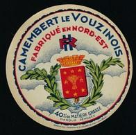 """Anciene Etiquette Fromage Camembert Le Vouzinois Fabriqué En Nord Est 40%mg """"Ardennes 08"""" """"HR"""" Blason - Cheese"""