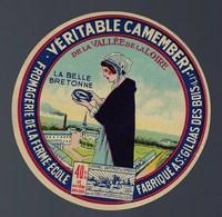"""Etiquette Fromage Camembert  La Belle Bretonne  Fromagerie De La Ferme Ecole De St Gildas Des Bois Loire Inférieure """"fem - Cheese"""