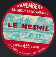 """Etiquette Fromage Camembert  Fabriqué En Normandie  Le Mesnil G Hardy Le Renouais """"vaches"""" - Cheese"""