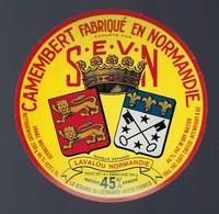 Etiquette Fromage Camembert Fabriqué En Normandie SEVN Lavalou  Export Le Bourg St Léonard - Cheese