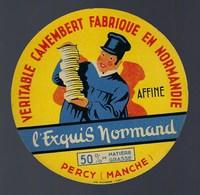 """Etiquette Fromage Camembert Fabriqué En Normandie L'exquis Normand  Percy Manche  """"Homme Pile De Fromages"""" - Cheese"""