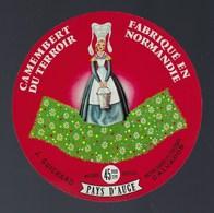 """Etiquette Fromage Camembert Fabriqué En Normandie J Guichard Fresnay """"femme Coiffe"""" - Cheese"""