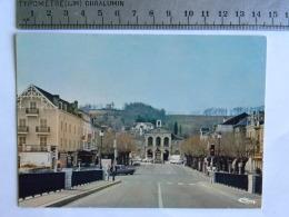 CP (64) Pyrénées-Atlantiques - NAY - La Place Avec Au Fond La Mairie Depuis Le Nouveau Pont - France