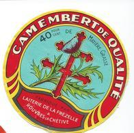 ETIQUETTE CAMEMBERT LAITERIE DE LA  FREZELLE ROUVRES LA CHETIVE VOSGES CROIX DE LORRAINE - Cheese