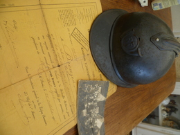 LOT Casque De Chasseur 14/18  + Un Diplôme Pour La Médaille Militaire Et Une Photo - Casques & Coiffures