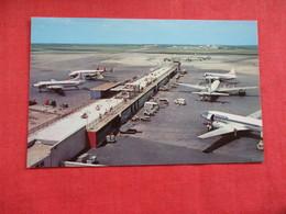 Hopkins International Airport Ohio > Cleveland    Ref 2937 - Cleveland