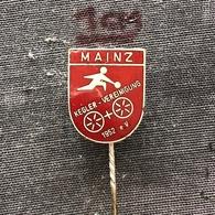 Badge (Pin) ZN006873 - Bowling Germany Mainz Kegler-Vereinigung 1952 E.V. - Bowling
