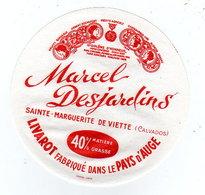 Avr18   14028  étiquette Camembert  La Bonne Perrette - Cheese